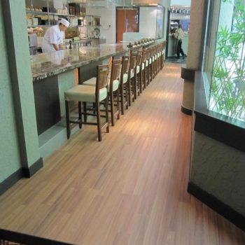 Sàn gỗ Robina 12mm bản lớn